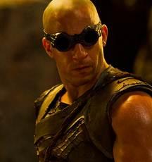 Visionnez la bande-annonce de Riddick  dans Film policier riddick